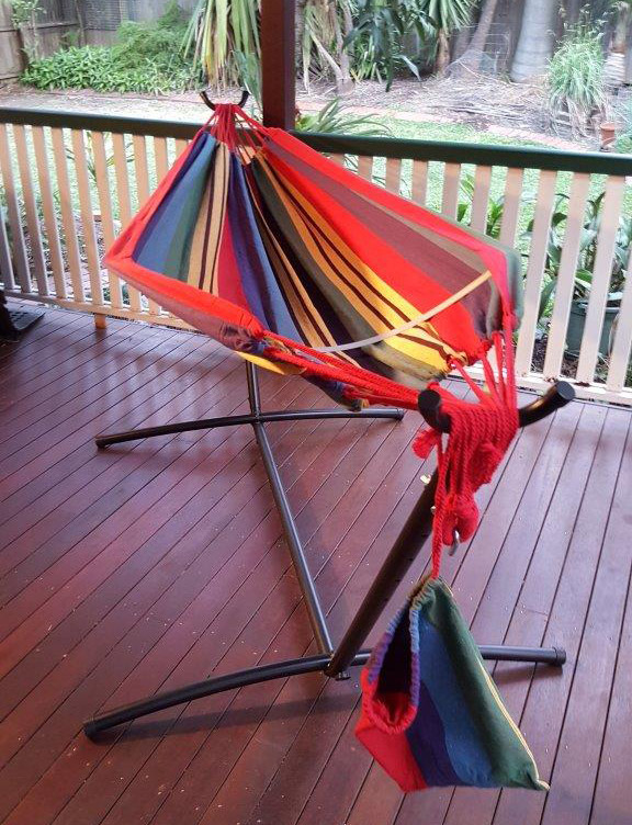 Free standing hammock red and yellow canvas hammock with for Diy canvas hammock